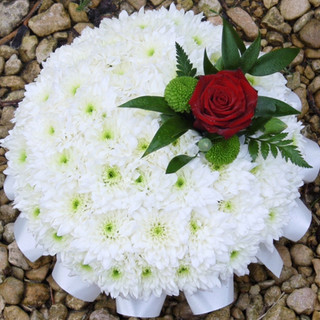 Round floral tribute