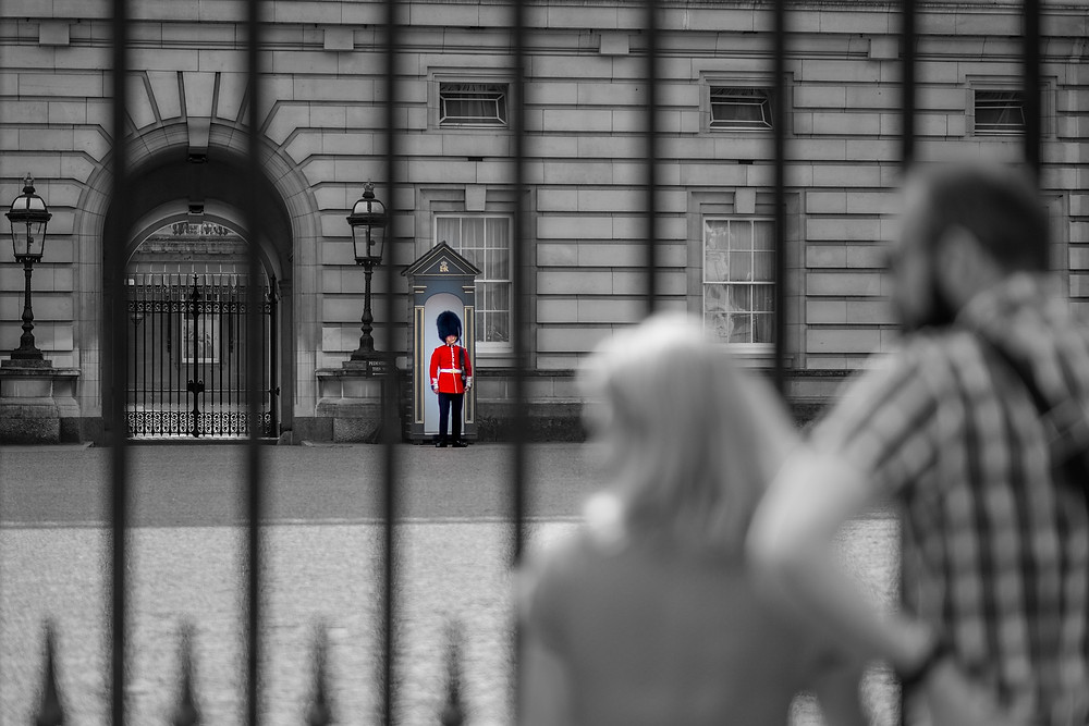 Strange Video Supposedly Shows Naked Child Escaping Buckingham Palace