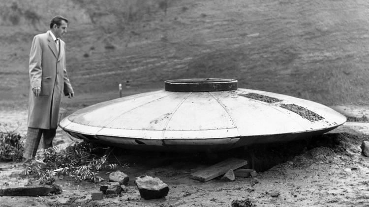 hollywood hills UFO