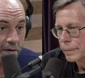 Joe Rogan Tweets in Defense of Bob Lazar