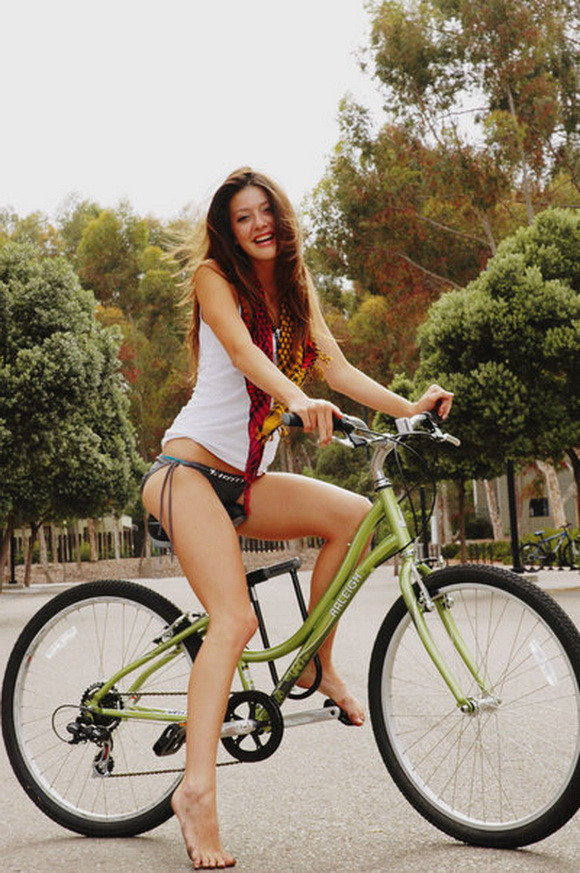 What is Sexy: Girls on Bikes