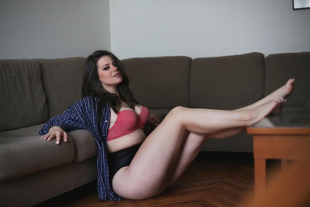 curvy girl