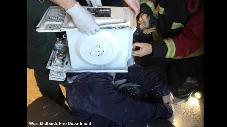 Man Gets His Head Stuck in Cement-Filled Microwave