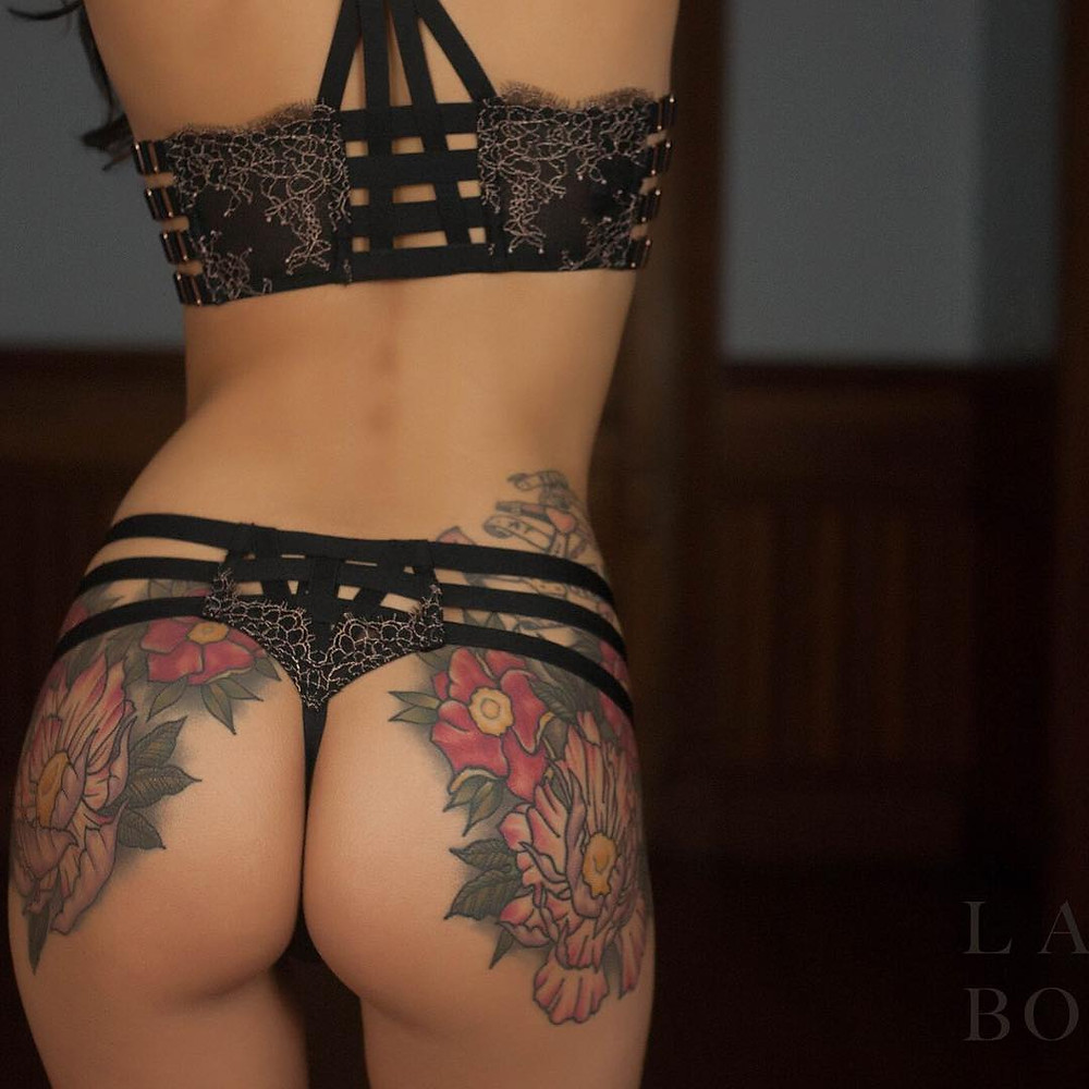 Sexy Girls with Tattoos