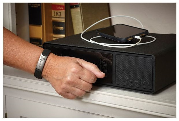 5 Things to Consider When Choosing a Bedside Gun Safe