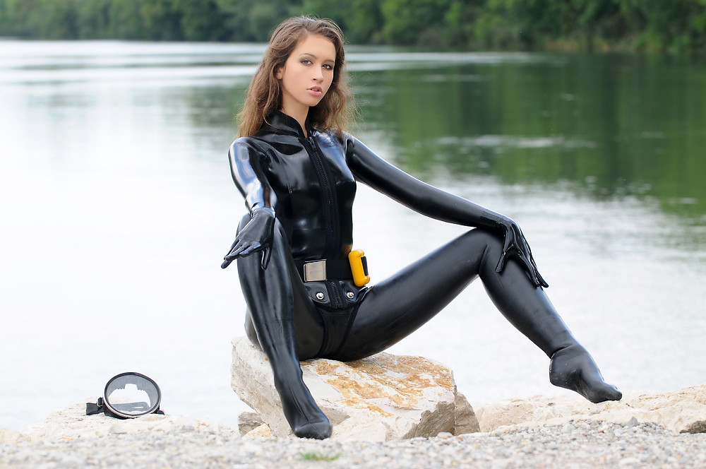 What is Sexy: Scuba Girls