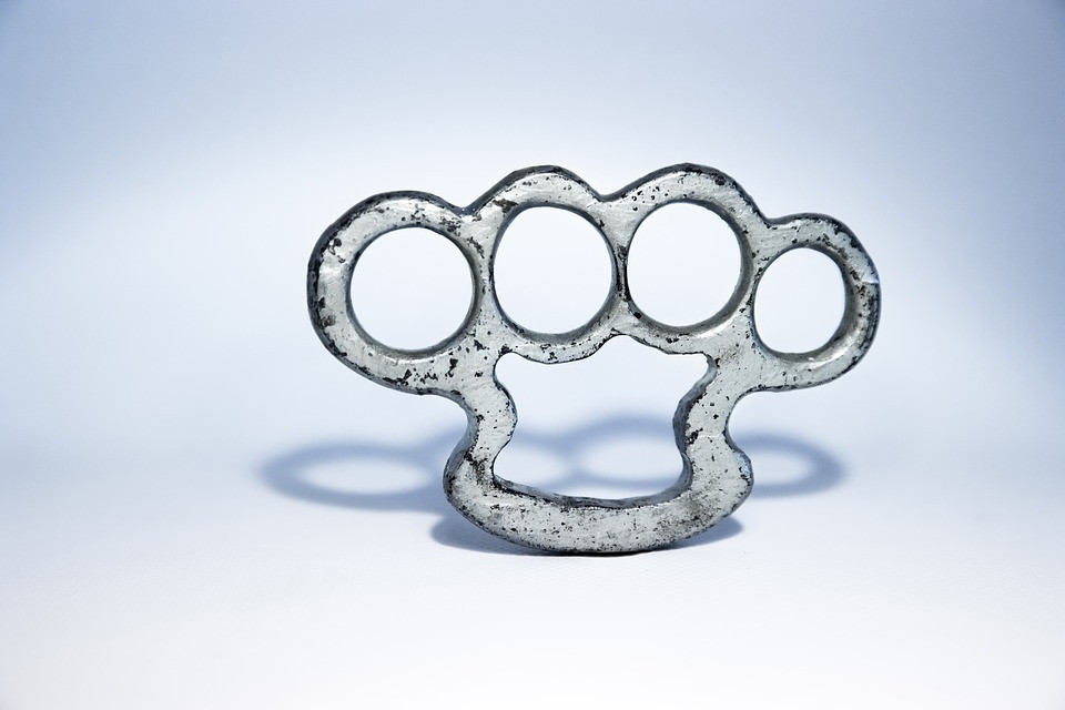 Texas Makes it Legal to Carry Brass Knuckles for Self-Defense