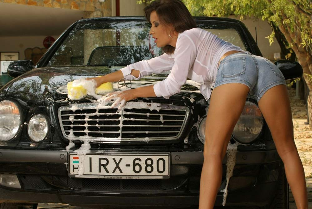 What is Sexy: Car Wash Girls