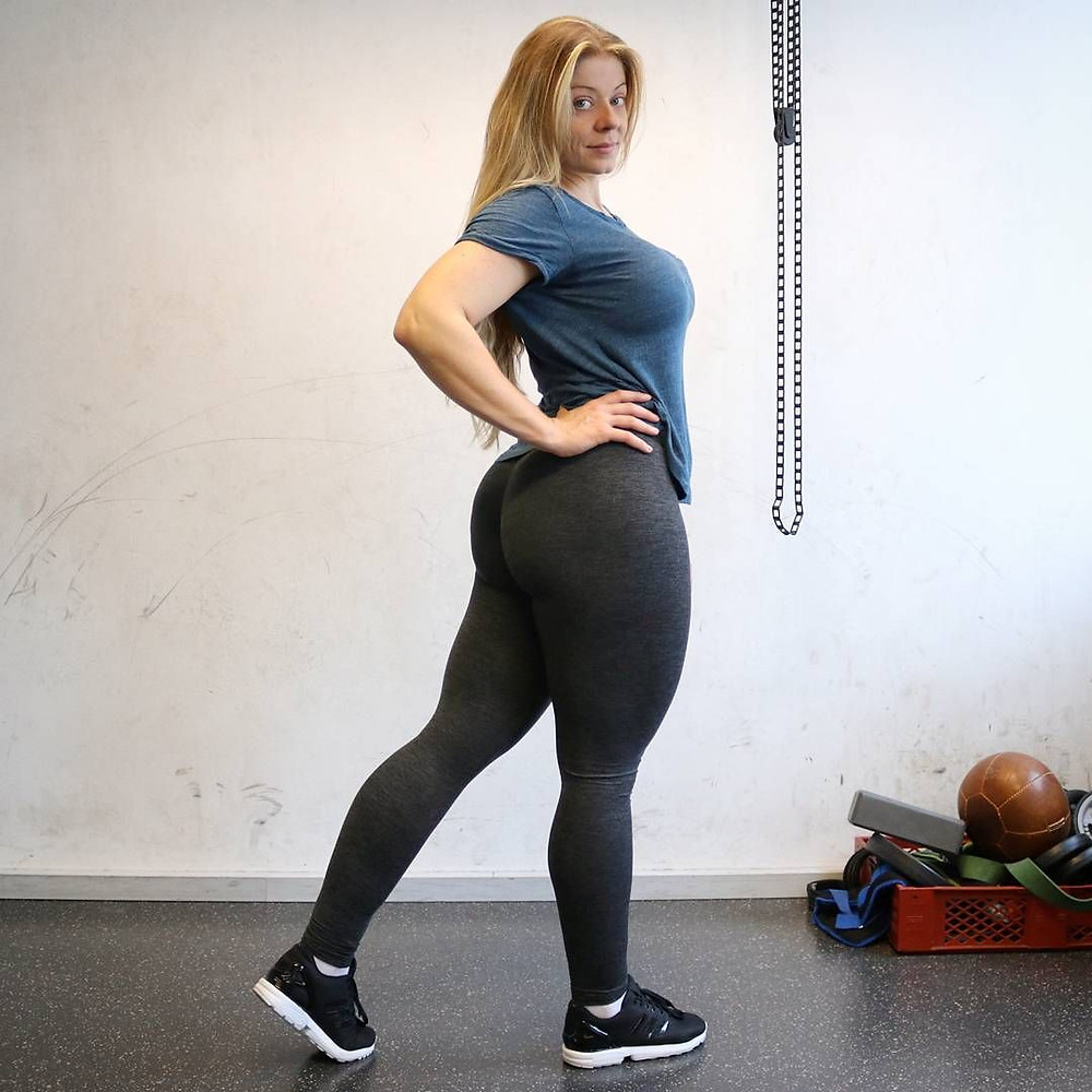 What is Sexy: Power Lifter Mia Sands
