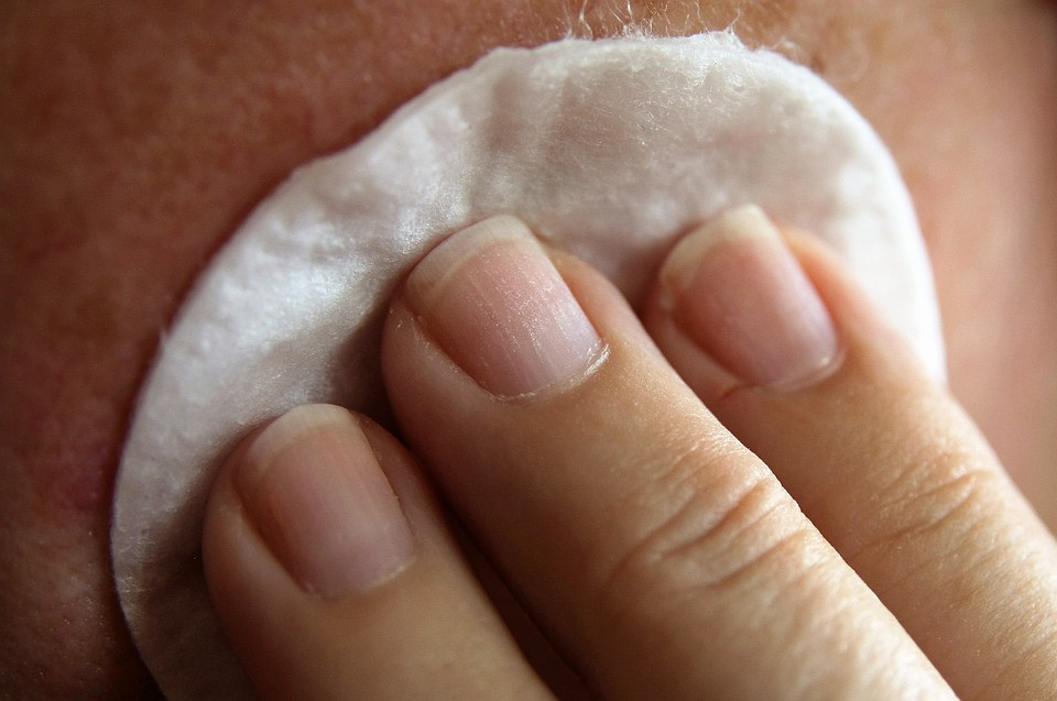 5 Worst Things You Can Do To Your Skin