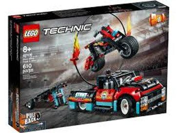 LEGO  Technic - Camion et moto de cascadeur
