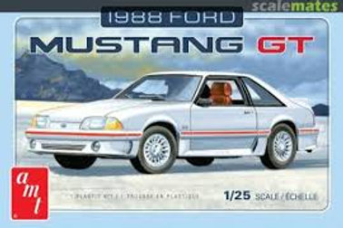 AMT - 1/25  1988 Ford Mustang GT