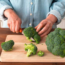 Tuesday 19th of Jan PM. Cutting broccoli