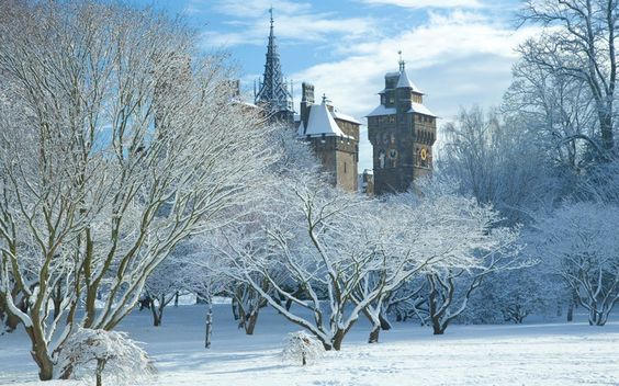 Cardiff castle in the snow tuesday eveni