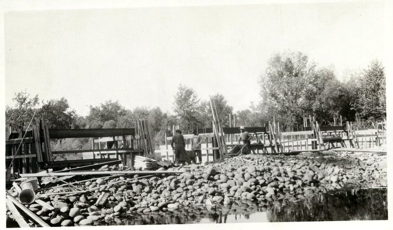 canal construction1.jpg