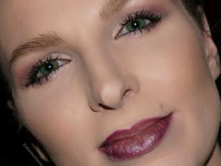 Sparkle & Glow | Makeup Deets, Reviews & Pics