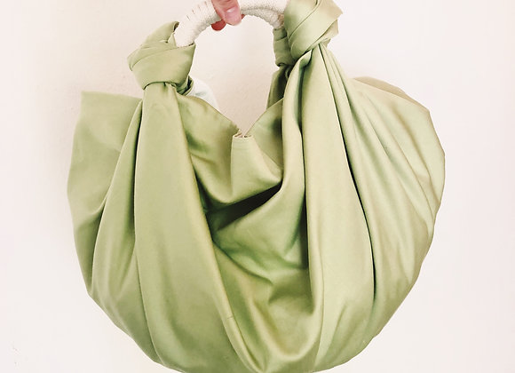KNOTTED BIG / SOFT GREEN