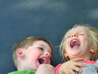 Glückspädagogik für Eltern- Glück ist der Entwicklungs- und Lernmotor für Kinder.