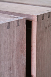 Dovetails on drawers