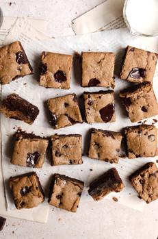 Fudgy Paleo Brookies (Cookie Brownie Bars)