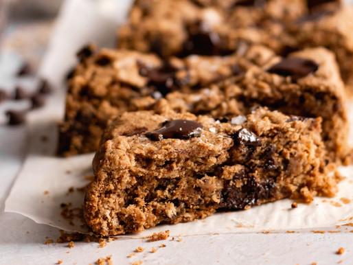 Vegan Chocolate Chip Oat Bars (Gluten Free, Refined Sugar Free)