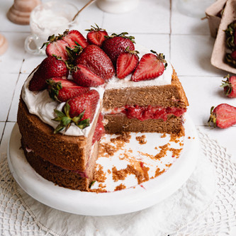 Gluten Free Strawberry Shortcake Cake (Paleo, Dairy Free)