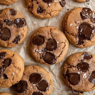 Chewy Pumpkin Chocolate Chip Cookies (Gluten Free, Easy and Delicious!)