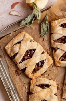 Vegan Apple Hand Pies (Gluten Free, Paleo)
