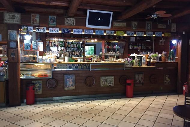 sevenhills_bar.JPG