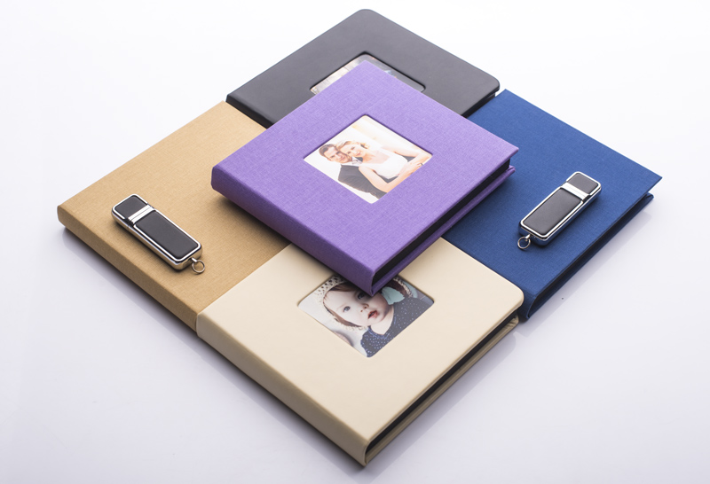 pendrive with wedding photos