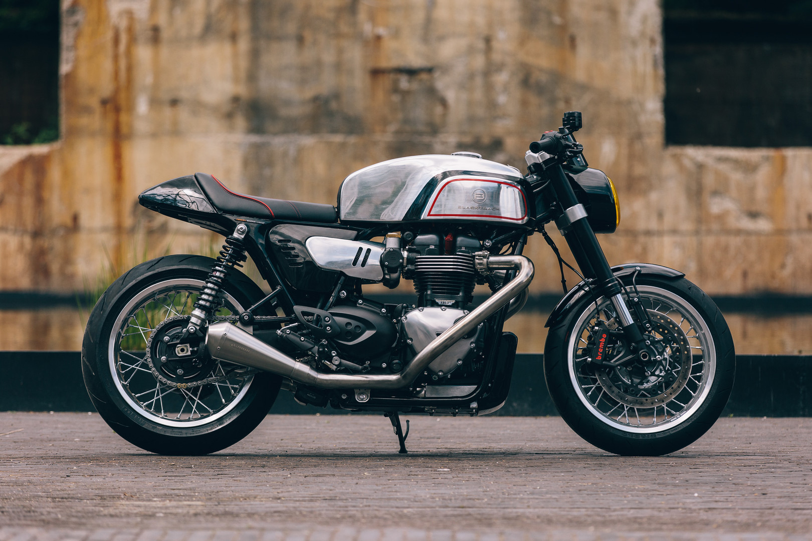 Cafe Racer BT02 THRUXMAN