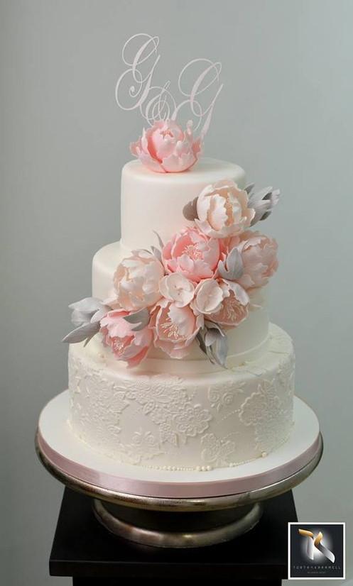 Tort Nunta Flori Roz