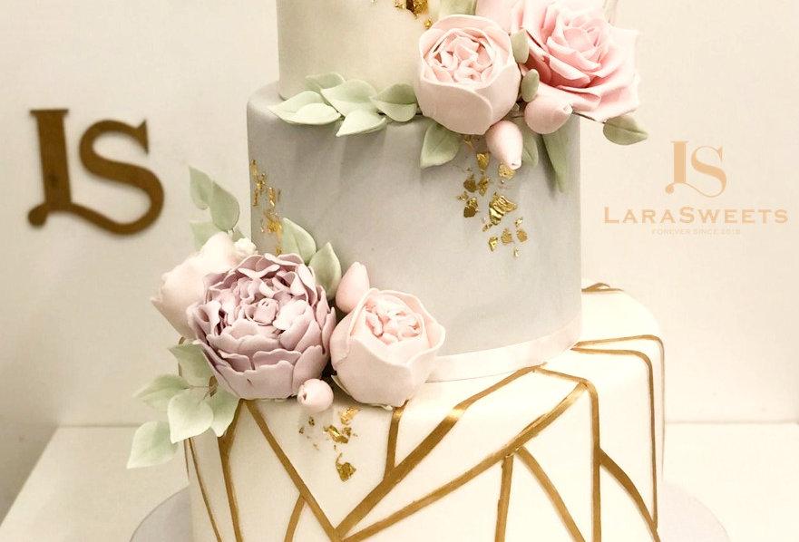 Tort Floral Deluxe