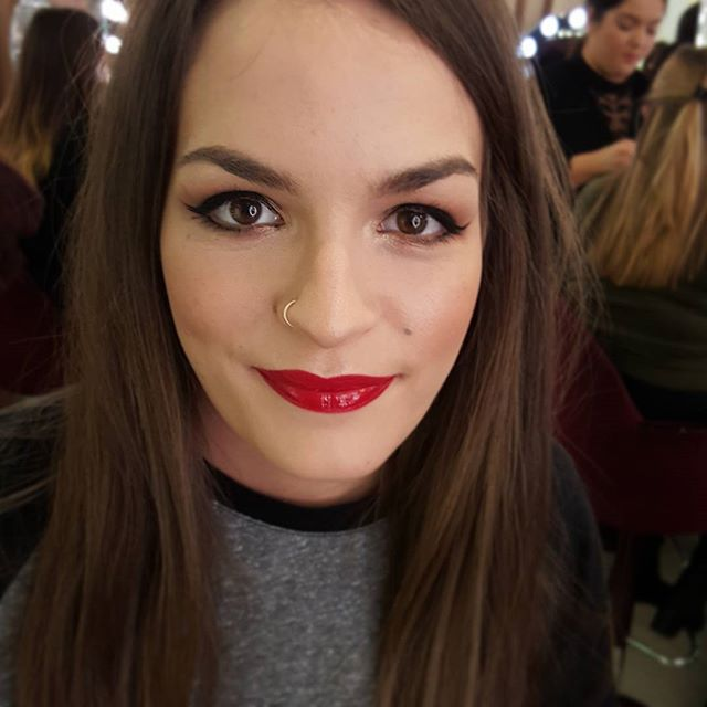 And a #bombshell #ct #coventgarden _Someone suits a red lip! #mua_Light Wonder shade 2_#filmstarbron