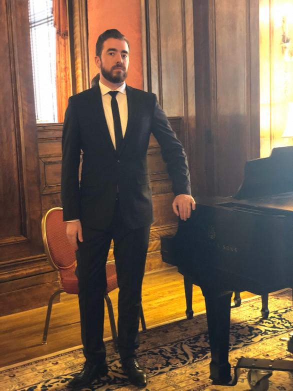 Performing at the Metropolitan Club, Washington, D.C., March 2019