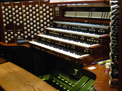 Organ Console 3.JPG
