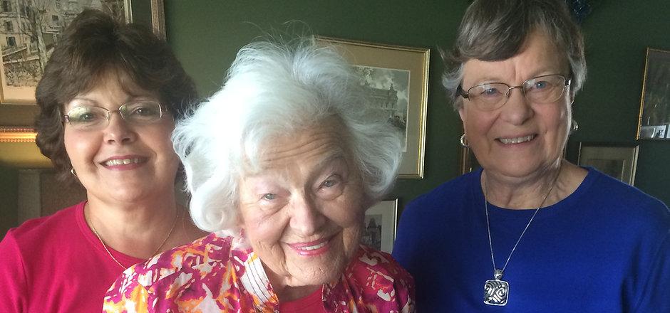 Marge Weeks and Dorothy Rankin.JPG
