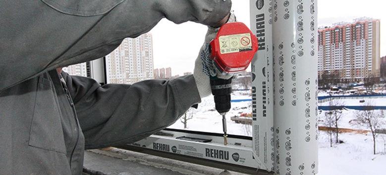 Зимовий монтаж металопластикових конструкцій
