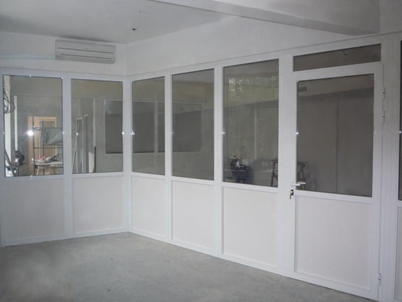 Офіс з металопластику