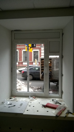 Окно под вытяжку