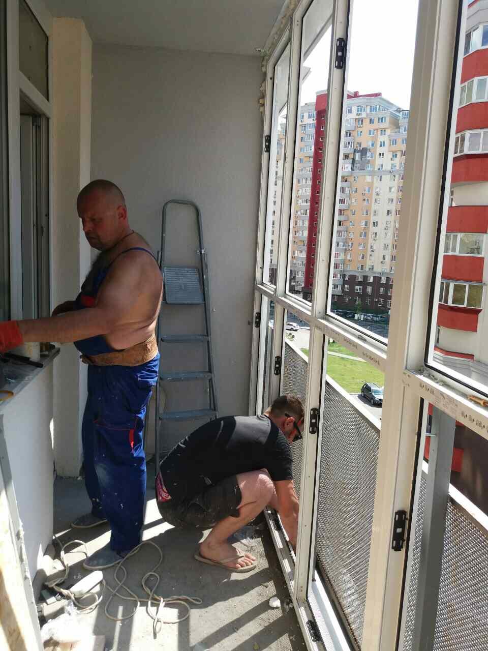 Французький балкон на Симоненка