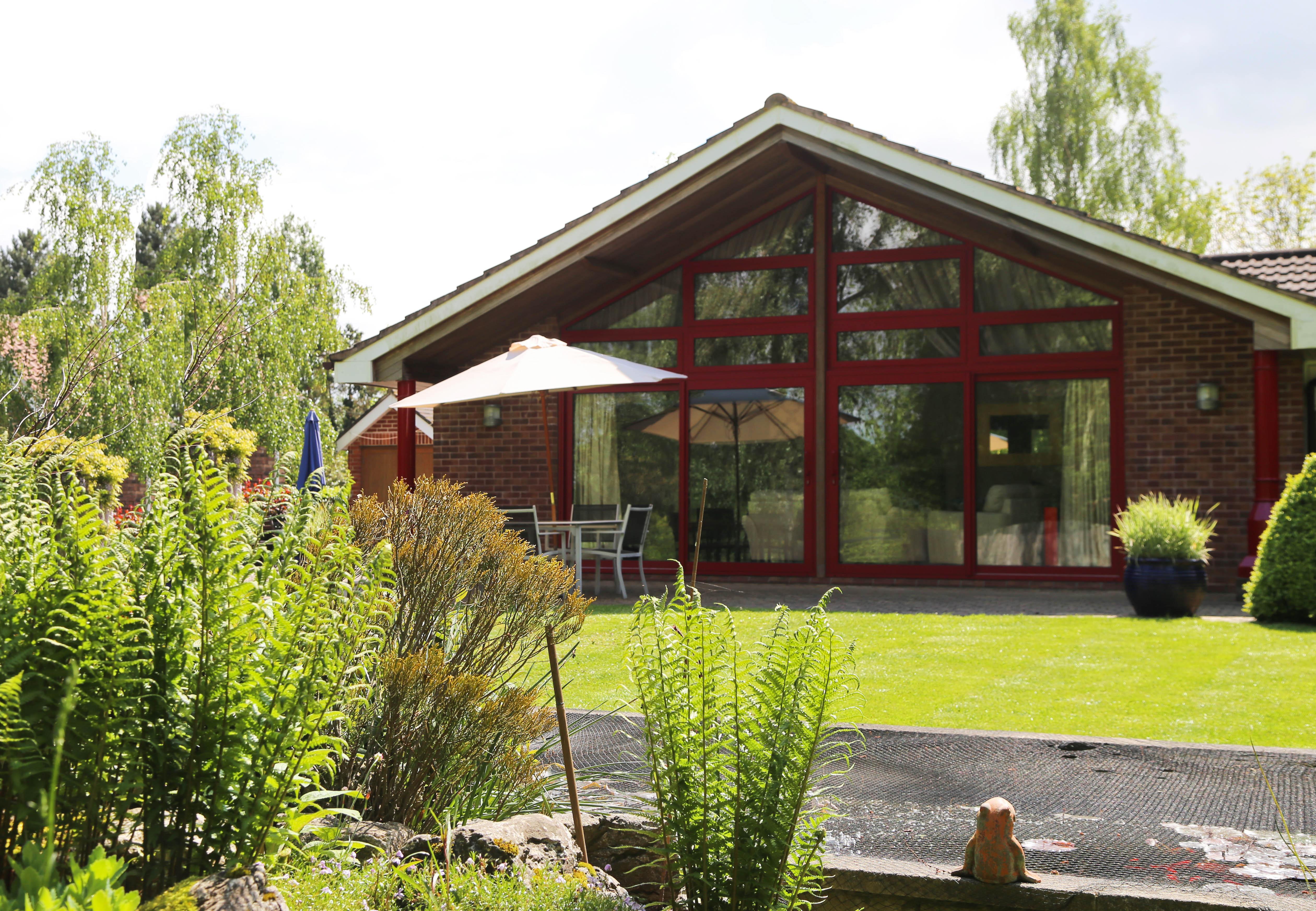 accommodation in norfolk -Surlingham