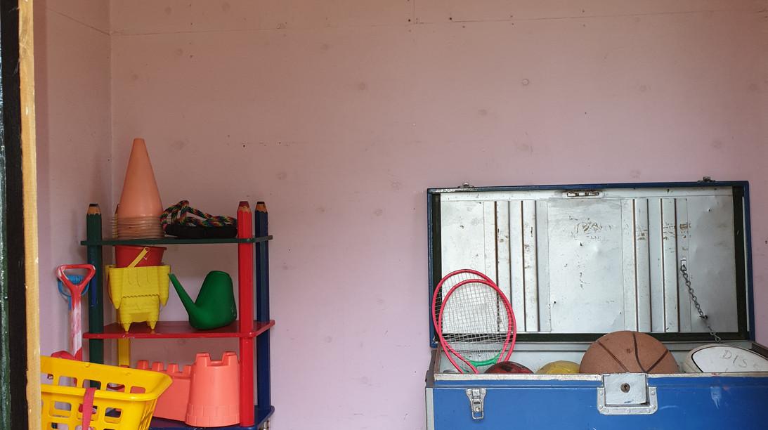 Tree House & play area