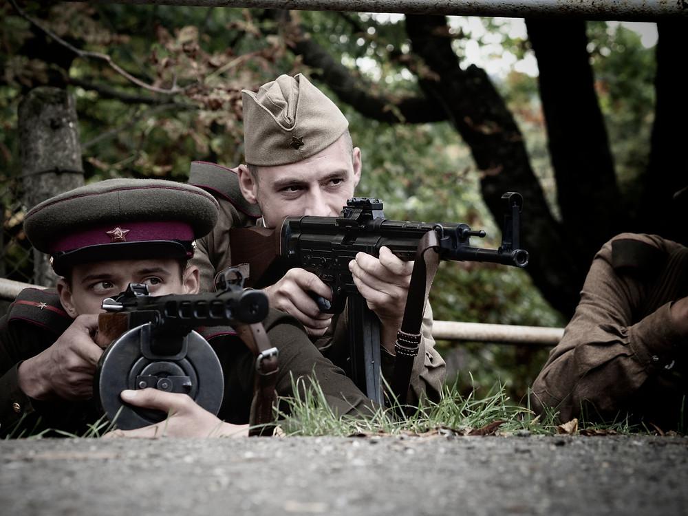A 16-os Honvéd Katonai Hagyományőrző Csoport két tagja • Saját fotó