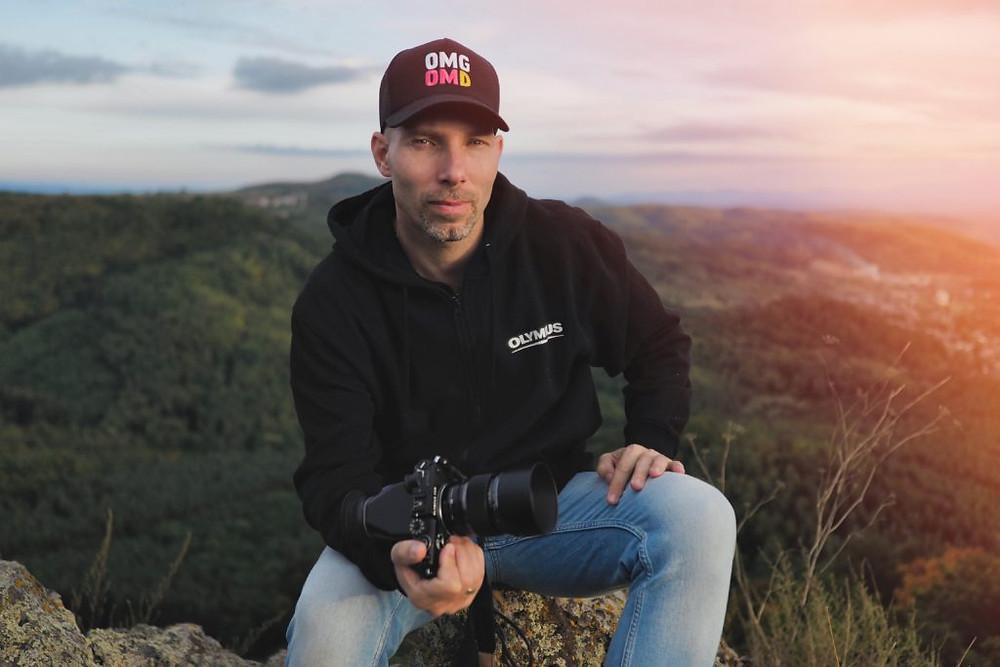 Bánhalmi Norbert profi fotós. A felvételt Speier Vikó készítette