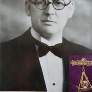 1925_g_presser.jpg