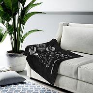 melanin-queen-velveteen-plush-blanket.jp