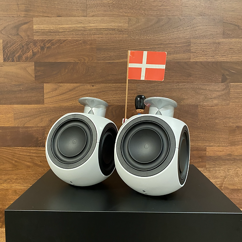 Beolab 3 in White MKII (6872)