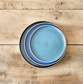 Modéle d'assiette aux petits bords, differents diamètre 24 cm, 21 cm et 18 cm, differents émaux