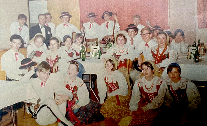 Karpaty Group with R. Zurowski 2.png